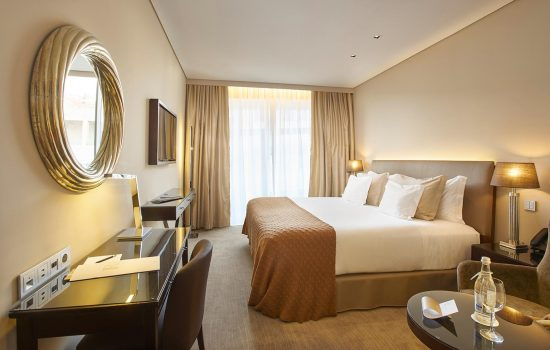 HOTEL PORTOBAY AVENIDA, LISBON - Guest room