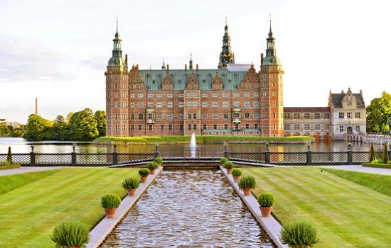 Queen's summer residence, Fredensborg Castle, Copenhagen, Denmark, Nrth Sealand